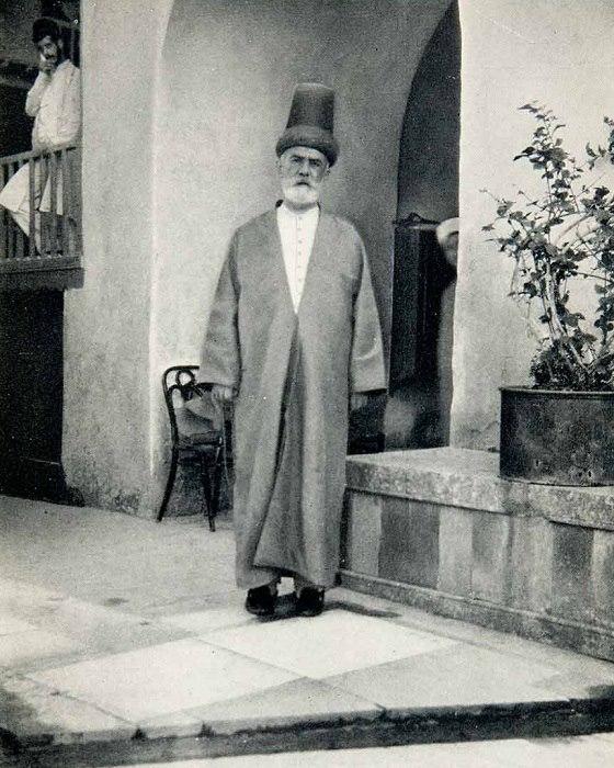أحد شيوخ الطريقة المولوية - طرابلس 1927
