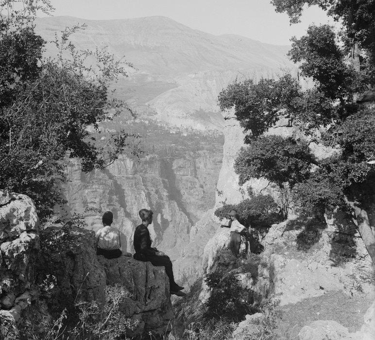 وادي قاديشا في شمال لبنان بداية القرن العشرين